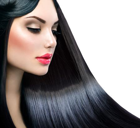 cabello: Chica modelo hermosa con el pelo largo y liso y brillante saludable