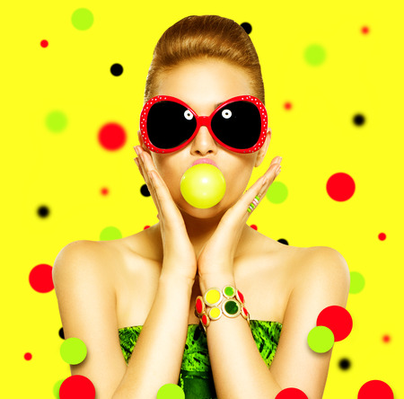 female face: Beauty surprised fashion funny model girl wearing sunglasses