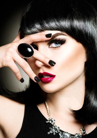 Beautiful mysterious brunette lady portrait Standard-Bild
