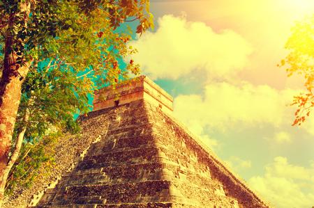 itza: Mayan pyramid Chichen Itza, Mexico. Ancient mexican touristic site
