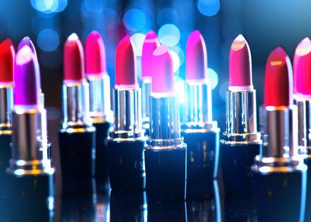 l�piz labial: Moda barras de labios de colores. profesional de maquillaje y belleza