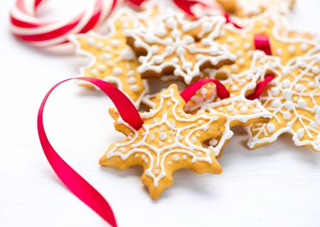 cute christmas: Christmas background with homemade gingerbread cookies