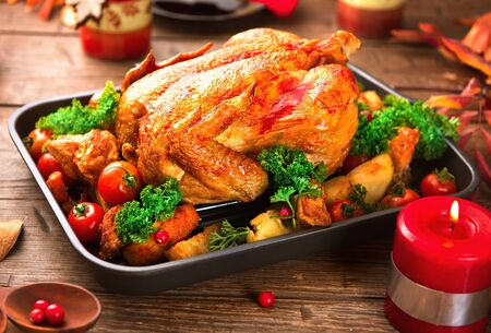 Christmas dinner. Roasted turkey on holiday served table Stockfoto