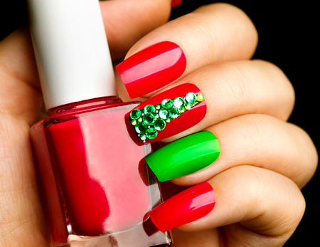 christmas manicure: Christmas winter holiday nail art manicure