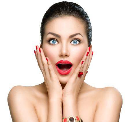 美女: 美容時尚驚訝的女人肖像