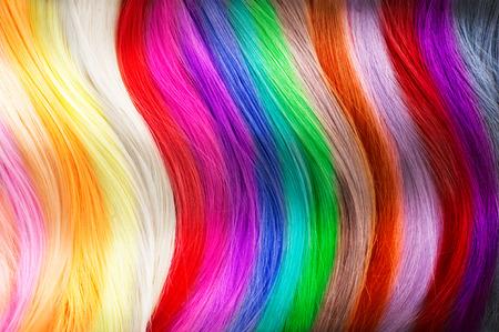 barvy: Barvy na vlasy paletě. Šampon vzorky vlasů Reklamní fotografie