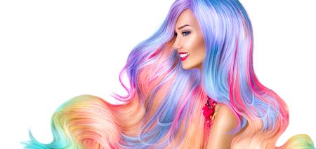 화려한 염색 머리와 뷰티 패션 모델 소녀