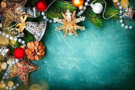 fondo verde de cosecha de Navidad con adornos de estilo retro Foto de archivo