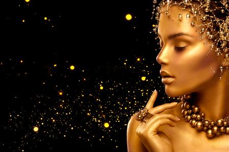 menina moda modelo beleza com pele dourada, maquiagem e penteado