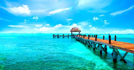Esotico paradiso caraibico. Viaggi, turismo o concetto di vacanze. resort sulla spiaggia tropicale Archivio Fotografico - 73661782