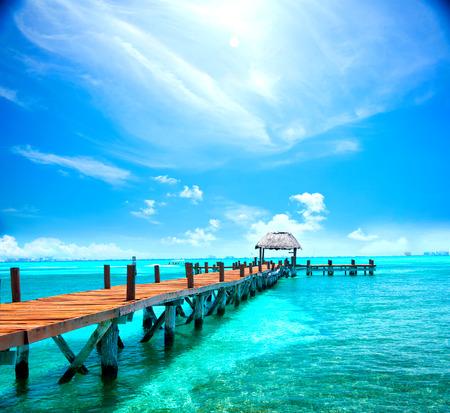 Esotica isola caraibica. Viaggi, turismo o concetto di vacanze. resort sulla spiaggia tropicale Archivio Fotografico - 74044906