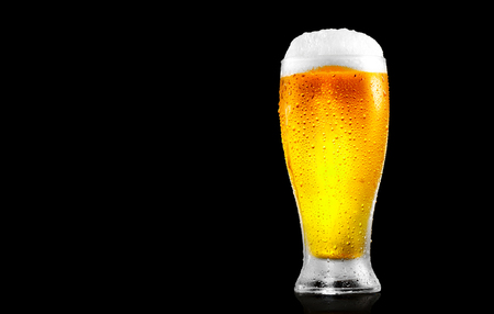 Beer. Glass of cold beer with water drops. Craft beer isolated on black background Banco de Imagens - 81849106