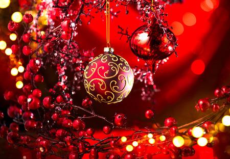 Décoration rouge de Noël et du nouvel an. Fond de vacances clignotant abstrait