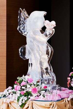 spousal: Ice Sculpture at Wedding