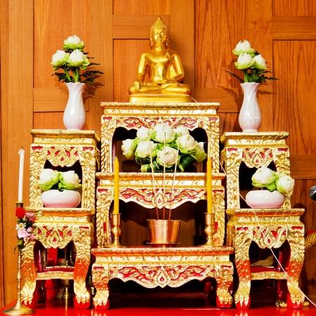 祭壇のテーブルのセット