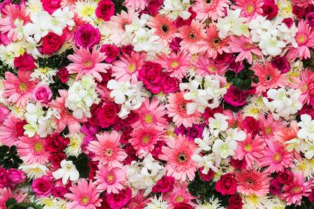 Bellissimo sfondo di fiori per la scena del matrimonio Archivio Fotografico - 33015891