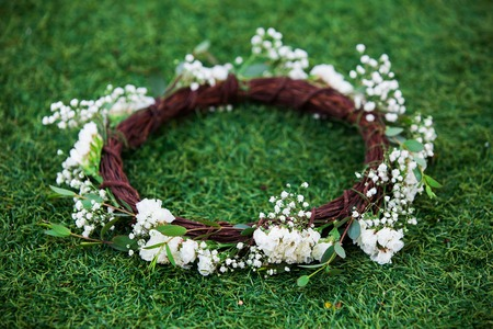 white daisies: Wreath from white daisies