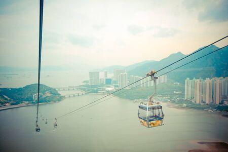 香港で Nongping に Tungchung から電気ケーブルの車 報道画像