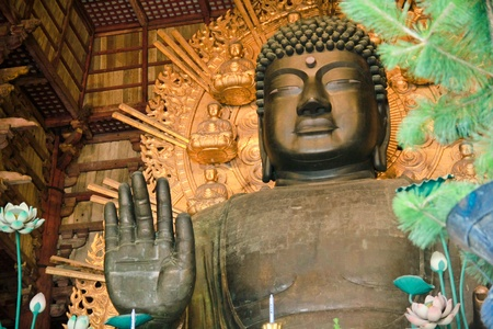 todaiji: The world s largest bronze statue of the Buddha Vairocana known in Japanese simply as Daibutsu in Nara, Japan Stock Photo