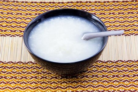 アジア料理、明白な米のポリッジ