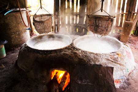 ナーン県、タイにおける坑内水から作る古代の塩 写真素材