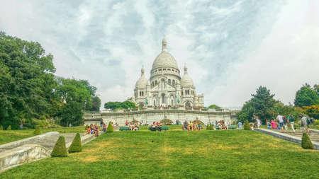 coeur: Sacre coeur, Cathedral in Paris, France