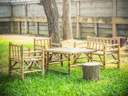 Holz Bambus Möbel Tisch Und Fünf Stühle Um Auf San Strand Mit