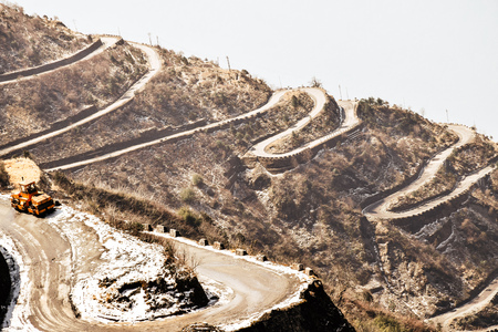 Zuluk hilltop the transit point of Silk Route. The road through Zuluk makes almost 32 hairpin turns to reach Lungthung. Located at a height of 10,100 feet on rugged terrain of lower Himalaya in Sikkim