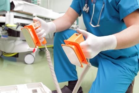 醫生用除顫器可以節省生活