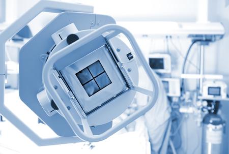 在ICU病房X光機