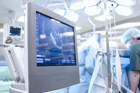 超聲檢查在手術室 版權商用圖片 - 27146371
