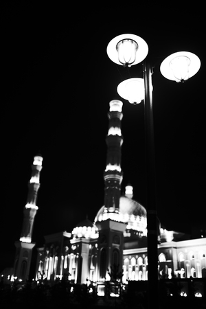 Lanterns in the background of the mosque. 版權商用圖片