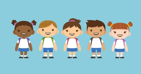 diversidad: Dibujos animados lindo diversos niños vistiendo uniforme escolar con mochilas. Diferentes nacionalidades. Vectores