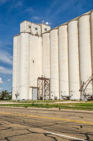 elevators: Large group of grain elevators on Route 66 in Texas