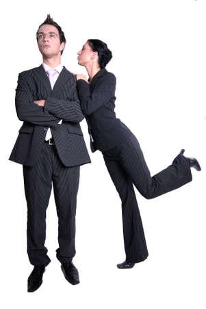 seducing: Coppie giovani - la donna sta seducendo il suo collegue