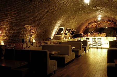 contadores: Foto de bar moderno interior