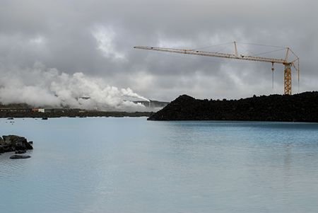 therapy geothermal: The Blue Lagoon, a geothermal bath resort in Iceland.