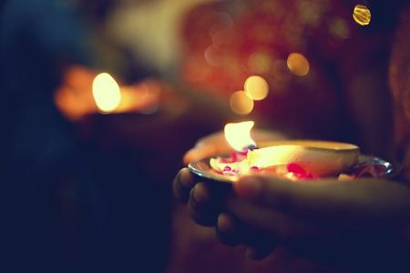 Hindu Indiase bruiloft ceremonie in een tempel