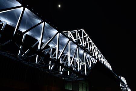 maldestro: Tokyo Gate Bridge
