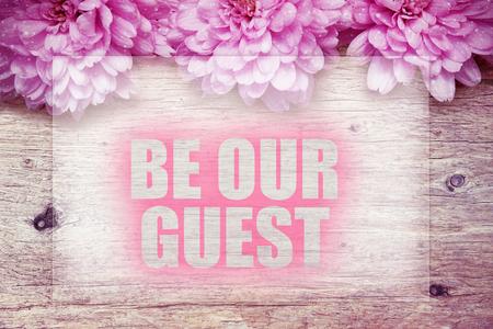 ピンクの花の言葉で木製が私達のゲスト