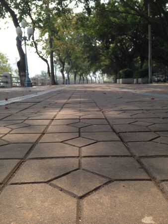 공원에있는 타일들