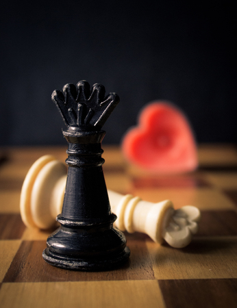 king and queen of hearts: Fallen king and queen chess pieces