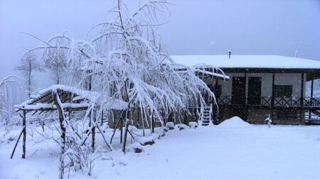 snowy mountain house Stock Photo - 24894112
