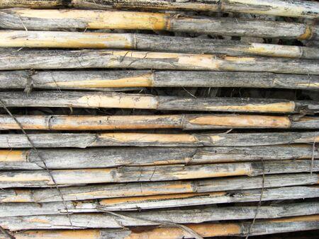 풍화 된 대나무 울타리
