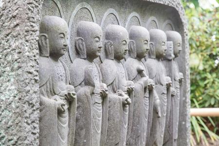 poronienie: Jizo Buddha, aby chronić dzieci w wierze w Japonii. Zdjęcie Seryjne