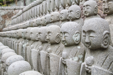 poronienie: Jizo Budda, aby chronić dzieci w wierze w Japonii.
