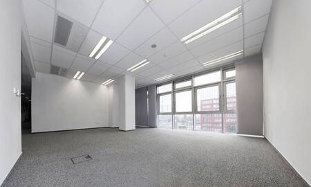 빈 사무실을 임대 할 준비가되었습니다.
