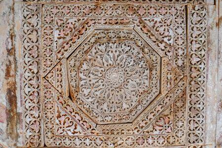 Antique beautiful pattern vintage wooden carved in Gilgit Baltistan, Pakistan. Banque d'images