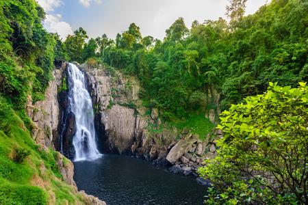 Haew Narok cascata nel parco nazionale di Khao Yai in Thailandia Archivio Fotografico - 78160605