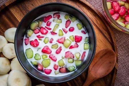 Water Chestnuts in Coconut Milk, Tub Tim Grob